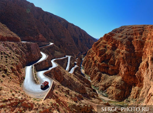 Hairpin in Dades Gorge