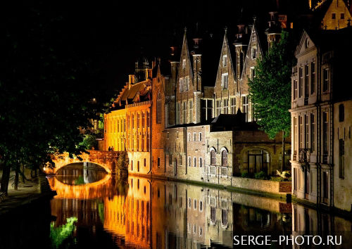 In Bruges  Often compared to Venice for its canals, Bruges also has a Florentine touch, evident in its Renaissance flamboyance thanks to a prosperous period in the 16th century.