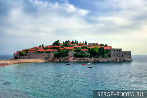 Sveti Stefan  In the 15th century, the island had a fortified village which was built to defend against the Turks and became a haven for pirates of the Adriatic. Consequent to the villages getting moved to the mainland, the island village became an exclusive resort frequented by high profile elites of the world. However, the separation of Montenegro from Yugoslavia saw the decline of this resort.